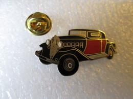 PIN'S    CITROEN  ROSALIE   COACH  10 CV  1933 - Citroën