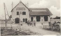 63 - Environs D'Aigueperse - Gare De THURET. Animée, BE. - Autres Communes
