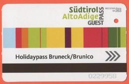 ITALIA - ITALY - ITALIE - Bruneck/Brunico - Holidaypass - Biglietto Abbonamento Gratuito Guest Pass - Used - Bahn