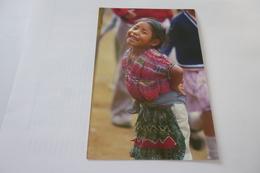 NINA MAYA ...CAK'CHIQUEL ...PETITE FILLE SOURIANTE - Guatemala