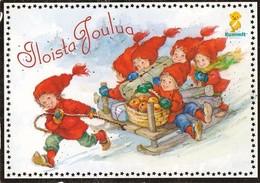 Postal Stationery - Elves Bringing Apples - Bird - Bullfinch - Godparents - Suomi Finland - Postage Paid - Arias Vernet - Postwaardestukken