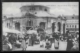 CPA 27 - Grand-Andely, Place De La Halle Le Jour Du Marché - Les Andelys