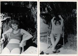2 Photos Originales Pin-Up Sexy Sur Transat Pour Sieste Et Farniente Vers 1970 - Pin-Ups
