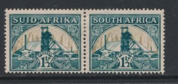 SOUTH AFRICA, 1933 1.5d Pair Green & Bright Gold Fine Light MM, SG57, Cat £8 - Afrique Du Sud (...-1961)