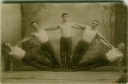 5 MUSCLE ACROBATS GYMNASTS BALANCING - RPPC POSTCARD 1910s/20s (7723) - Sport