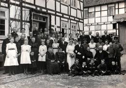 Grande Photo Originale Mariage & Mariés En Famille Vers 1910 - Soldats Décorés & Médaillés Fillettes En Blanc & Enfants - Personnes Anonymes