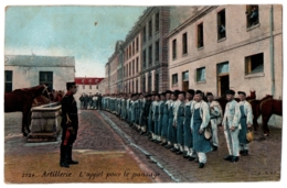 CPA Militaria - Artillerie - 3724. L'Appel Pour Le Pansage - L.V.et Cie - Barracks