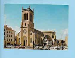 CP - ROANNE - Eglise Saint Etienne Et Le Bar Du Château - Roanne