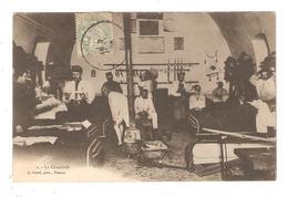 CPA Militaria 18 VIERZON ( Photographe  Vierzonnais ) La Chambrée Soldats Dans Leur Dortoir 1905 - Vierzon