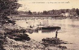 06 - CAP D'ANTIBES - La Plage Dans Son Cadre Unique - - Antibes