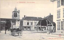 10 - CHAVANGES : Place De La Halle ( Animation Attelage ) CPA Village ( 600 Habitants ) - Aube - Autres Communes