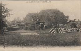 CPA   LA CAMPAGNE BOURBONNAISE  LE BATTAGE DES RECOLTES - France