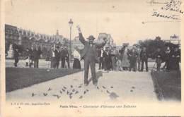 75 - PARIS ( Série PARIS VECU ) Charmeur D'Oiseaux Aux Tuileries -  CPA - Seine - France