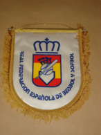SPANISH BASEBALL SOFTBALL FEDERATION - PENNANT – FLAG - BANNER - SPAIN - ESPANA - Kleding, Souvenirs & Andere