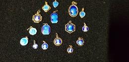 Médaille Religieuse Lot 16 Médailles émaillées Bleues Seigneur Sainte Vierge St Christophe Notre Dame De Lourdes Coeur - Pendants