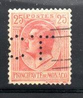 MONACO -- Timbre Perforé Perfin Luchung--  25 C. Rouge Sur Jaune LOUIS II  --  C.L. 8-7 - Variétés