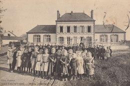 45 /    Villemoutiers  : Les écoles  Manque Le Timbre)          /////   Ref. FEV. 20  ////  BO. 45 - Frankrijk