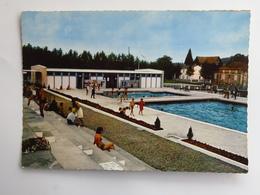 Carte Postale : 33 CASTILLON LA BATAILLE : La Piscine, Animé - France