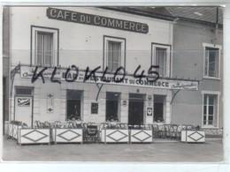 """45 NOGENT Sur VERNISSON ( Loiret ) BAR RESATAURANT  """" LE COMMERCE """"  Tél 37 Gros Plan De La Façade - CPSM LEMOSSE - Other Municipalities"""