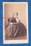 Photo Ancienne CDV Vers 1860 1865 - PAU - Portrait Femme Bourgeoise - Photographe L. Subercaze  Robe Mode Album Coiffure - Anciennes (Av. 1900)