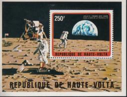 Apollo 11 Haute Volta - Space