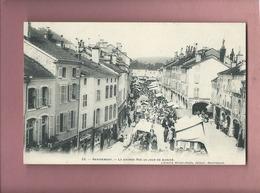 CPA - Remiremont  - La Grande Rue Un Jour De Marché - Remiremont