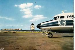 CPM   : Aviation  Commerciale  Aéroport De Lille Lesquin Avion Air France Sur La Piste  Ed La Cigogne - Aérodromes