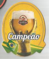 Sous Bock Bière Les 3 Brasseurs Spécial Campeao Coupe Du Monde De Football Brésil 2014 - Sous-bocks