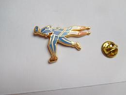 Superbe Pin's En Zamac , JO Jeux Olympiques Albertville 92 , Signé Starpin's - Juegos Olímpicos