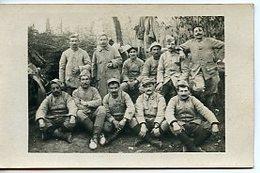 """2001. CPA PHOTO WW1. GROUPE DE SOLDATS. 1916 BEAU TEXTE AU DOS """"RESPECETZ CES POILUS..."""" - Guerre 1914-18"""