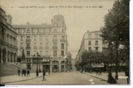 Dpt 42 St-Etienne Hotel De Ville Et Rue Blanqui Animee 1918 EV EM Legere Pliure - France