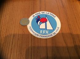 AUTOCOLLANT, Sticker (bleu/blanc) «FEDERATION FRANÇAISE DE VOILE - FFV - JE FAIS DE LA VOILE» (coq) - Stickers