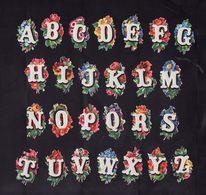 Chromos Découpis   Lot De 26    Alphabet Complet     3.5 X 2 Cm Le Plus Grand - Other