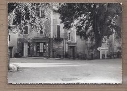 CPSM 83 - LES SALLES - La Place - TB PLAN Rue CENTRE VILLAGE + Devantures MAGASINS ALIMENTATION BOULANGERIE - France