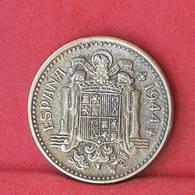 SPAIN 1 PESETA 1944 -    KM# 767 - (Nº33828) - [ 4] 1939-1947 : Gobierno Nacionalista
