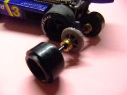 Scalextric Tyrrell P 34  Eje Trasero Completo Y 2 Llantas Sin Neumáticos - Circuits Automobiles
