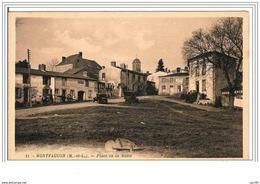 49.MONTFAUCON.PLACE DE LA MOTTE. - Montfaucon