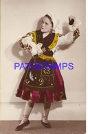 129948 REAL PHOTO COSTUMES DESGUISE CARNIVAL GIRL SPAIN WITH CASTANETS NO POSTAL POSTCARD - Photographs