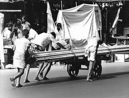 Photo Inde Calcutta Tranports De Matériaux Par Charrette  Ph. Vivant Univers - Lieux