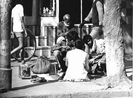 Photo Inde Calcutta Scène De Trottoir   Ph. Vivant Univers - Lieux
