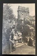 Paris   Montmartre. Square Saint Pierre. 634 CLC. Très Animée - District 18