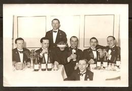 PHOTO ORIGINALE 1959 - PARIS HOTEL LUTÉTIA - L'ÉQUIPE Des 7 MEILLEURS MAITRES D'HOTEL - PRÉNOMS Au VERSO - Personnes Identifiées