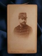 Photo CDV Allard à Toulouse - Militaire Officier Sce De Santé, Képi Motif Caducée Et Feuilles Laurier Ca 1880 L489 (1) - Anciennes (Av. 1900)