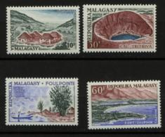 # Madagascar Malagasy .. YT 365 / 368 .. Paysages, Mer, Port ... Cote 3.50 € - Madagascar (1960-...)