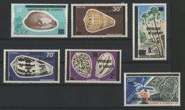 DJIBOUTI COTE 25,25 € N° 445 + 446 + 452 + 469 + 470 + 472 MNH**. TIMBRES DES AFARS ET ISSAS SURCHARGES. TB - Djibouti (1977-...)
