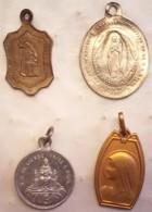 Lot 4 Petites  Médailles Religieuses 3 - Religion & Esotérisme