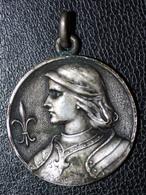 """Pendentif Médaillon Médaille Religieuse Début XXe """"Jeanne D'Arc"""" Religious Medal - Religion & Esotérisme"""