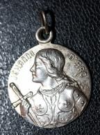 """Pendentif Médaillon Médaille Religieuse Début XXe """"Bienheureuse Jeanne D'Arc"""" Religious Medal - Religion & Esotérisme"""