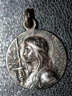 """Pendentif Médaille Religieuse Début XXe """"Sainte Jeanne D'Arc"""" Religious Medal - Religion & Esotérisme"""