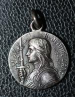 """Pendentif Médaille Religieuse Début XXe """"Bienheureuse Jeanne D'Arc"""" Religious Medal - Religion & Esotérisme"""